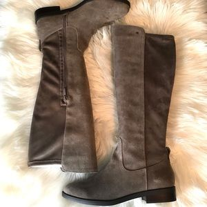 Very Volatile Womens Gray Fashion Boots Size 8.5